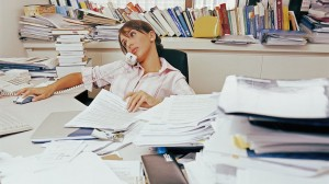 gty_cluttered_desk_ll_130808_16x9_992